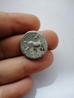 عملة قرطاجية فضية شديدة الندرة- 2300 سنة