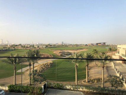 امتلك شقة باطلالة على اكبر مساحات الغولف بأكويا