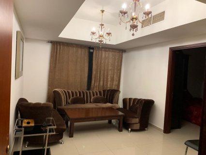 للايجار شقة مفروشة بالشارقة غرفة وصالة بجمال عبد الناصر