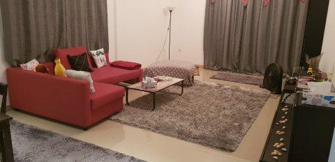 للايجار شقة مفروشة بالشارقة غرفة وصالة الخان جمال عبد الناصر