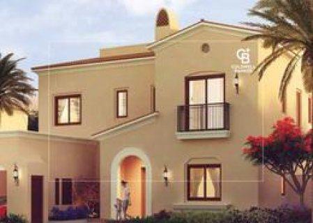 تملك فيلا لاروزا تقع المجمع في منطقة دبي لاند