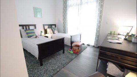فيلا على شارع الإمارات في الشارقة غرفتي نوم وغرفة خادمة ب 999 ألف درهم