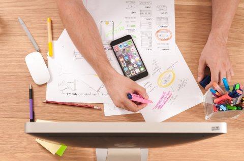 تصميم وبرمجة تطبيقات الهواتف الذكية