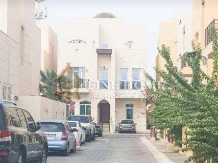 للبيع   فيلا 4 غرف   حدائق القرم أبوظبي