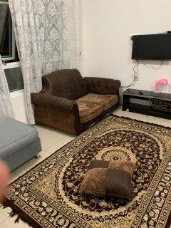 للايجار شقة مفروشة غرفة وصالة بالتعاون فرش جيد تكييف وغاز مركزي