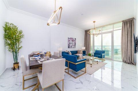 بدفعة أولى 37 ألف درهم استلم شقة غرفتي نوم وصالة مطلة على الخور في عجمان