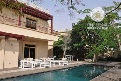 للبيع   فيلا 6 غرف نوم مع حمام سباحة   حدائق الجولف أبوظبي