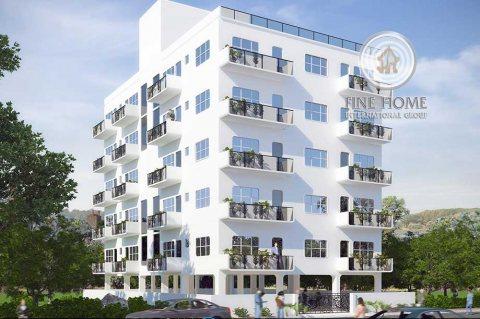 للبيع | بناية 5 طوابق مع محلات وطابق ميزانين | الخادية أبوظبي