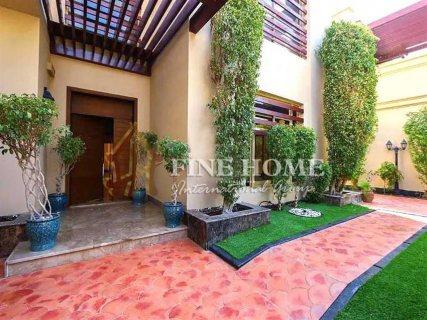 للبيع   فيلا 5 غرف مع حمام سباحة   حي النرجس أبوظبي