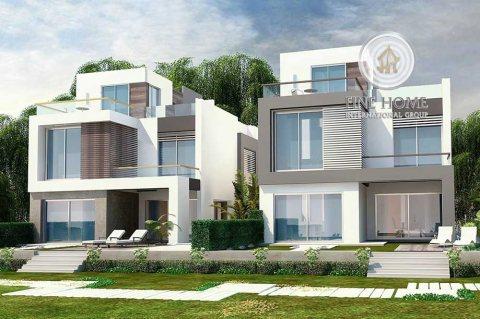 للبيع | مجمع فيلتين 5 غرف لكل فيلا | منطقة المرور أبوظبي