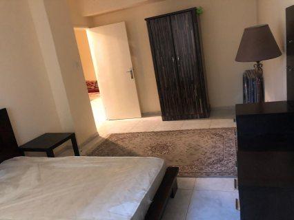 للايجار شقة مفروشة غرفتين وصالة المجاز فرش جيد مساحة كبيرة