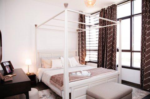 فيلا في قمة الرقي والفخامة تتكون من غرفتي نوم وغرفة خادمة في الشارقة