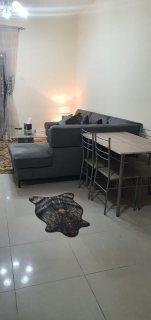 للايجار شقة مفروشة بالتعاون غرفة وصالة فرش ممتاز بلكونة علي شارع رئيسي