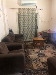 للايجار شقة مفروشة بالتعاون فرش جيد مساحة جيدة شارع رئيسي