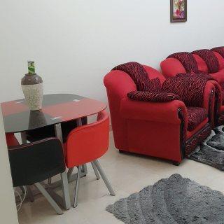 للايجار شقة مفروشة بالتعاون غرفتين وصالة فرش ممتاز