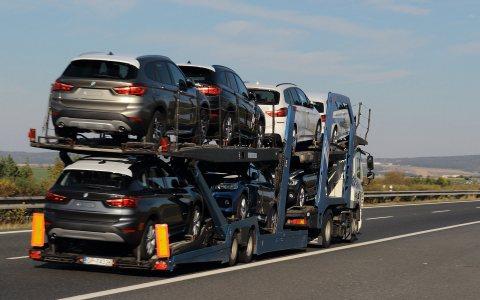 شحن سيارات واثاث من الامارات الي السعودية 971551863837+