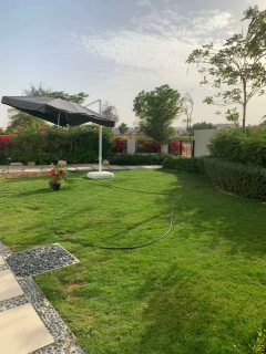 فيلا للبيع في  دبى في ارقى مجمع سكني في اكبر ملعب جولف في دبى