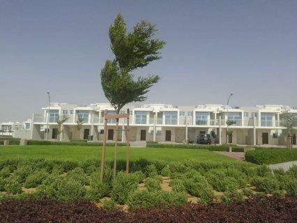 فيلا دورين مع حديقة جاهزة للبيع في دبي ب 750 ألف درهم كاش