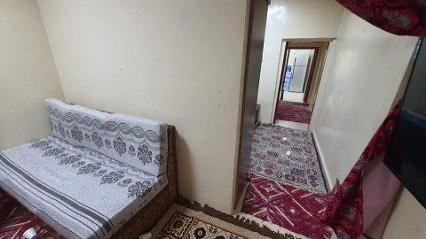 للايجار شقة غرفة وصالة بالشارقة منطقة ميسلون