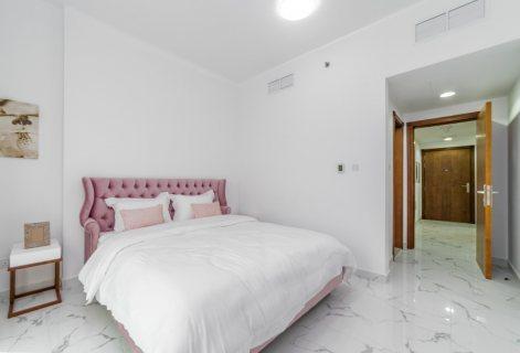 تملك شقة غرفة وصالة على الخور ب دفعة أولى 20 ألف درهم فقط ، تسليم فوري