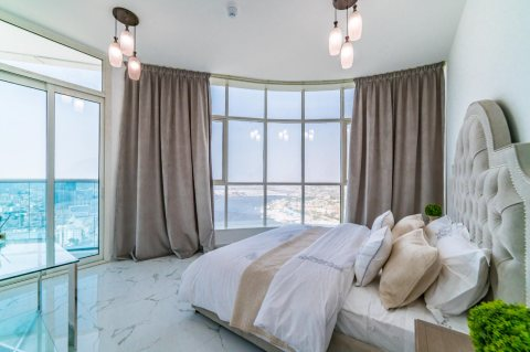 غرفة وصالة جاهزة على الخور في عجمان ب 561 ألف درهم