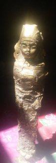 تمثال ذهبي قديم