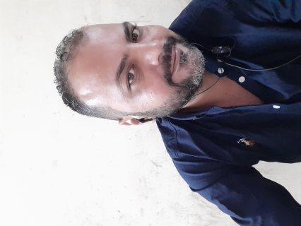 مصري مقيم بالامارات ٣٩ عام وظيفه محترمه منفصل