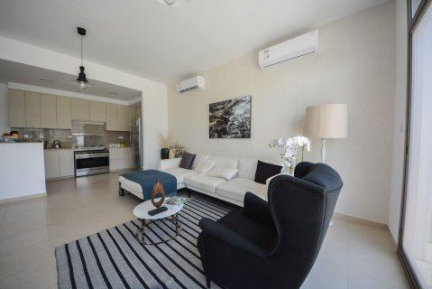 تملك فيلا 4 غرف بتصميم راقي وبالتقسيط بخدمات مجانيه بالشارقه