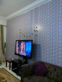 للايجار شقة مفروشة بالقاسمية غرفتين وصالة فرش جيد تكييف وغاز مركزي