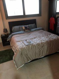 للايجار شقة مفروشة بالتعاون غرفة وصالة فرش ممتاز بناية جديدة بقيمة 3200 مع نت