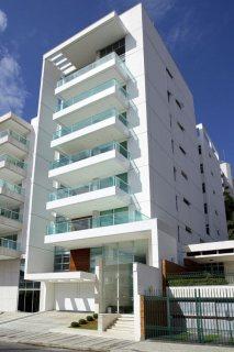 للبيع.. بناية 5 طوابق | 20 شقة | 5 محلات | الخالدية أبوظبي