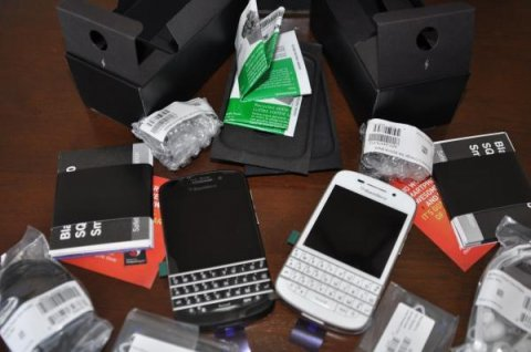 Brand New BB Q10,Z10 and Porsche P\'9981 with Both English and Ar
