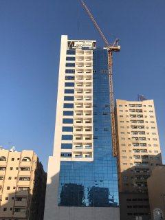 غرفتين وصالة على الشارع العام عند ميغا مول في الشارقة سعرها الكامل 418 ألف درهم