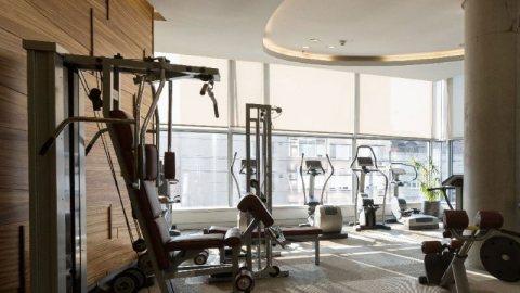 غرفة وصالة جاهزة جوار ميغا مول في الشارقة ب 385 ألف درهم من المالك