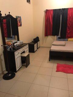 للايجار شقة مفروشة بالشارقة غرفة وصالة القليعة فرش جيد مساحة كبيرة