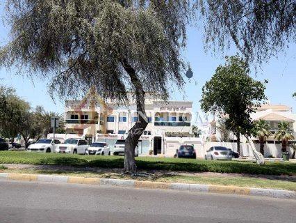 للبيع..مجمع 3   في منطقة الكرامة   أبوظبي