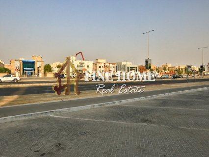 للبيع..مجمع 3 فلل   حمام سباحة   ملحق خارجي   مدينة خليفة أبوظبي