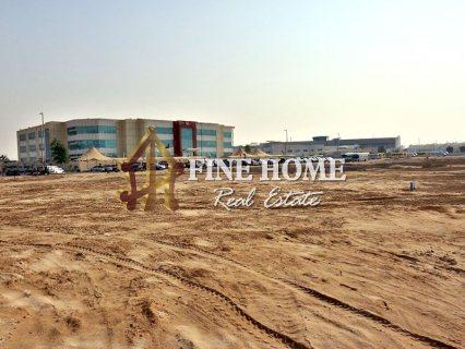 للبيع.. أرض تجارية | 15,000 قدم مربع | مدينة خليفة أبوظبي