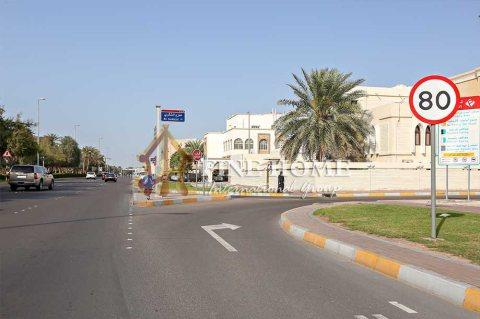 للبيع..فيلا 23 أستديو | شارع المرور أبوظبي