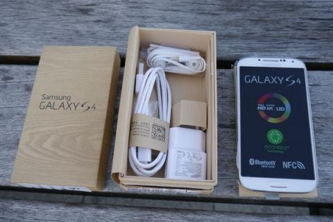 For Sale Samsung Galaxy S4 Gt-i9500