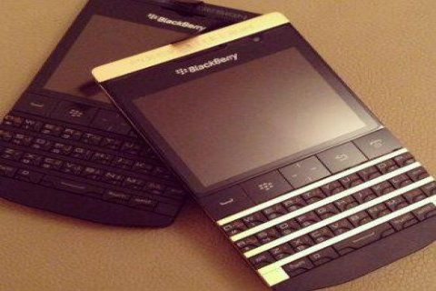 Available Blackberry Porsche P9981 Gold 24 Carrat & Q10 Gold