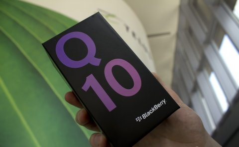 For Sale Blackberry Q10 (Black & White Color) special Pin Codes