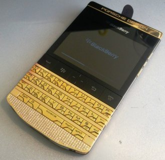 صور New Blackberry Porsche Design P'9981 Gold - Add BB Pin: 2195F37A 1