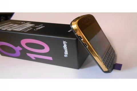 New Blackberry Q10 Gold Plated (BBM Chat:295941E1)