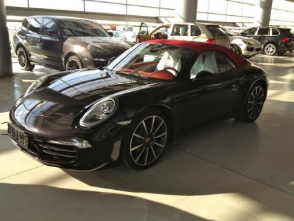 2013 Porsche Carrera / 911 Fully loaded Cabriolet