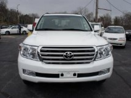 2011 Toyota Land Cruiser For Sale With Negotiation....