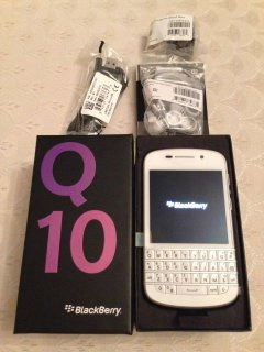 Brand New Blackberry Q10,IPHONE 5 GOLD