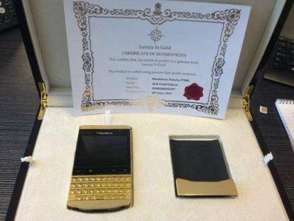 Blackberry Porsche Design P9981 (Gold,Silver & Black )(BBM pin:
