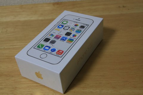 New Apple iPhone 5s 64GB Gold, Blackberry Porsche Design Gold
