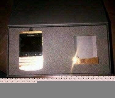 ..Blackberry Porsche 9981 , IPhone 5S 64G. BBM Chat: 2A28F4D4